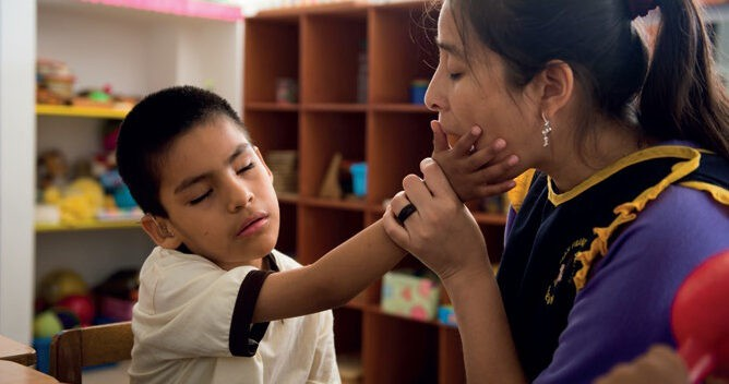 Child with Deafblindness and teacher