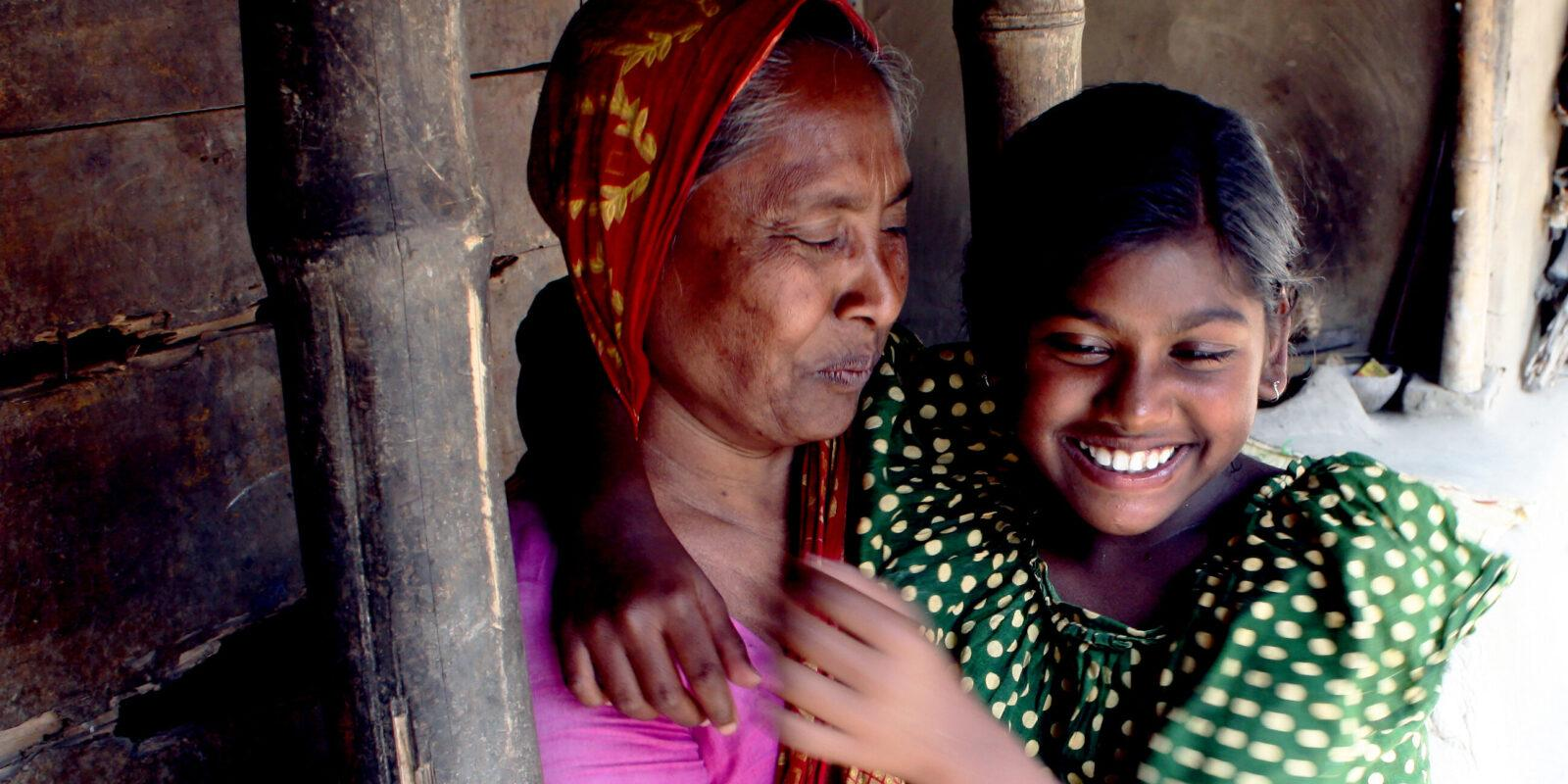 Mother with daughter with deafblindness